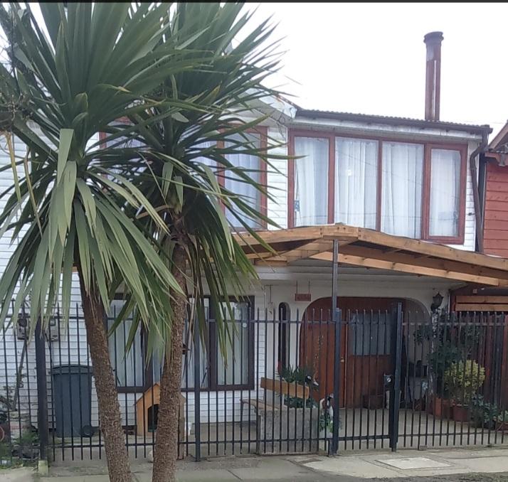 Oportunidad, Terreno Con 2 Casas y Departamento Pequeño.